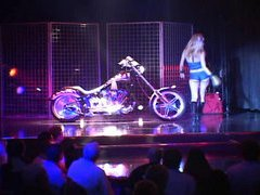 Harley Show Backstage And Performance