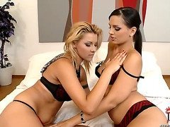 Cindy Hope (Klaudia) & Eve Angel