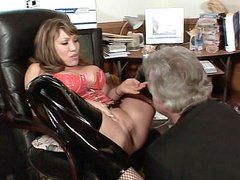 Sexy Mature Gets Her Pussy Lapped