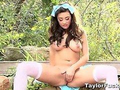 Taylor In Wonderland
